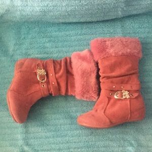 Shoes - ❄️4 for $25❄️Pink Boots
